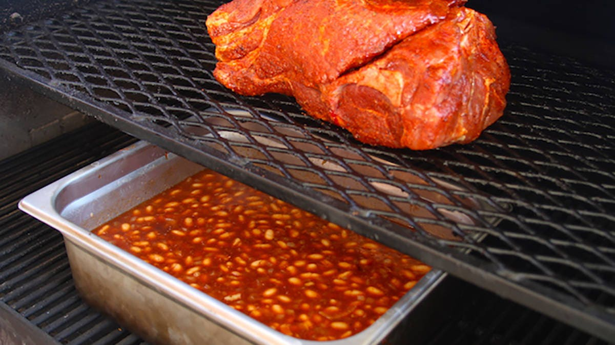 Recipe for Pulled Pork BBQ Smoked Beans