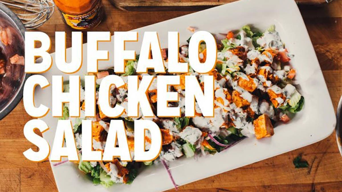 How to make a Buffalo Chicken Grilled Salad