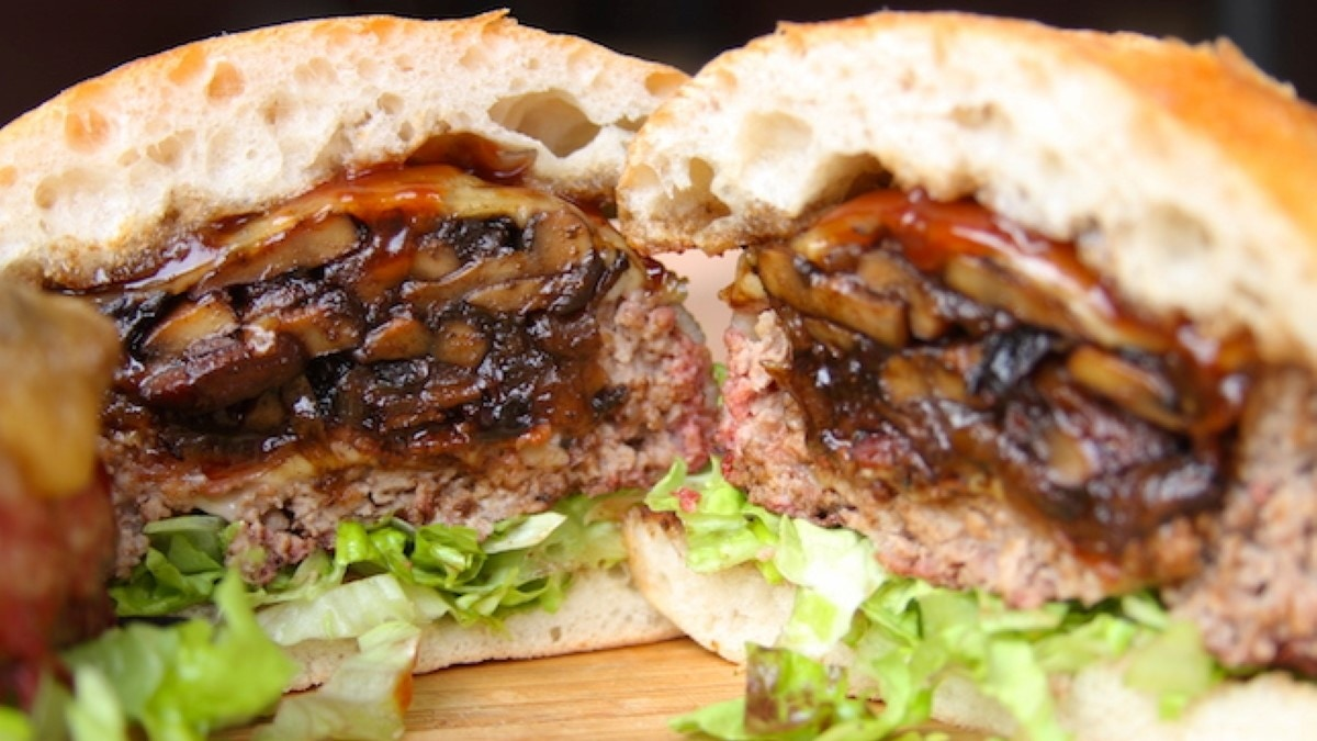 Beer-Can Bacon Mushroom Swiss Burger Recipe
