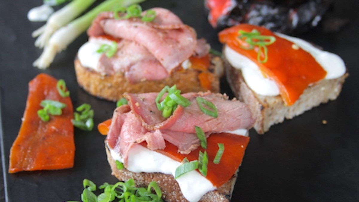 Roast Beef Crostini Recipe
