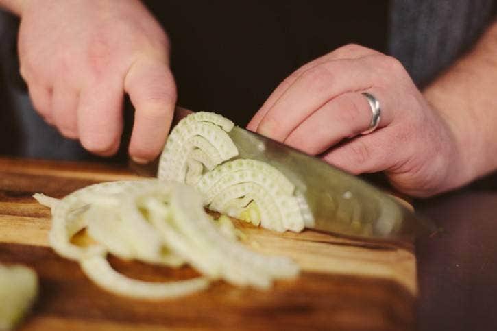 Slicing fennel